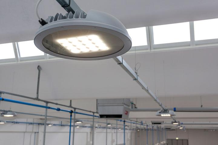 Illuminazione led per capannoni industriali